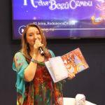 Наталья с колыбельной книгой